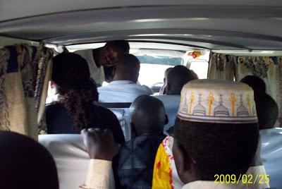 22 personer i en bil
