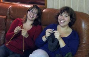 Stickdags i soffan med Linn och Sofie!